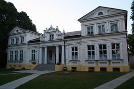 Herb - Szkoła Podstawowa im. Mikołaja Kopernika w Zadusznikach